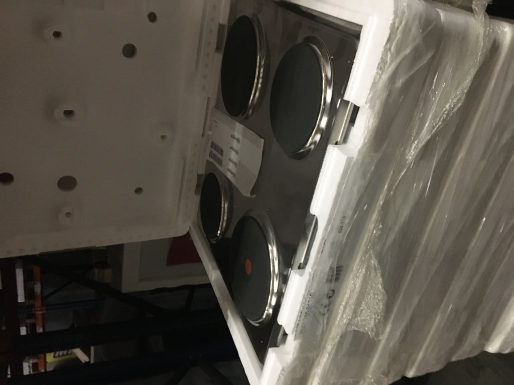 35684 - Brand new Whirlpool electric hobs Europe